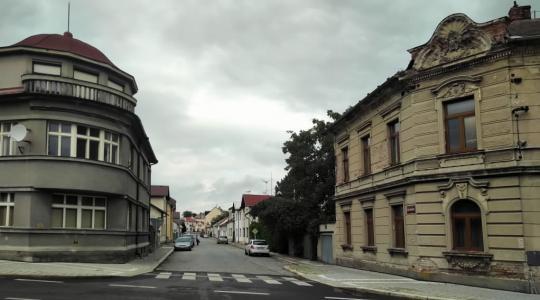 Připravovaná rekonstrukce se týká ulic Dr. Hořice, Ivana Olbrachta (část na snímku od ulice Jana Švermy po Jiráskovu ulici), Smetanovy a Žižkovy. Foto: Petr Novák, 16. září 2021