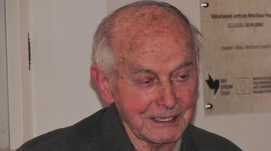 Jedním z nositelů ceny města byl básník Josef Brož (1921–2020). Ilustrační foto: Petr Novák