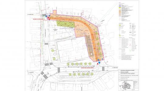 Částí náměstí již lze projíždět. Zatím ve zkušebním provozu. Zdroj: město Mnichovo Hradiště