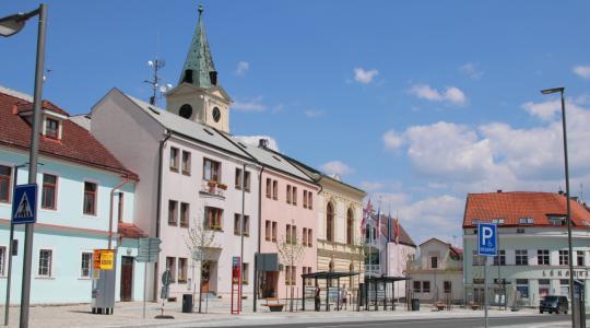 Zastávka Mnichovo Hradiště, náměstí. Foto: Petr Novák