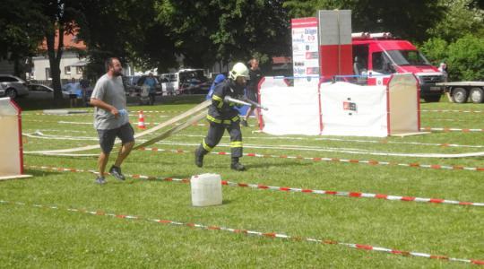 Soutěž Nejtvrdší hasič přežije ve Veselé. Foto: Radek Žďánský